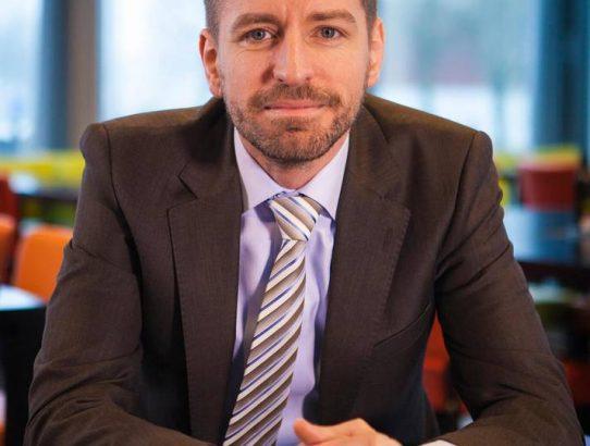 """Bas van der Veldt, CEO AFAS Software: """"Wij zetten altijd onze medewerkers bovenaan, als zij zich gelukkig voelen, dan maken zij ook de klant gelukkig!""""."""